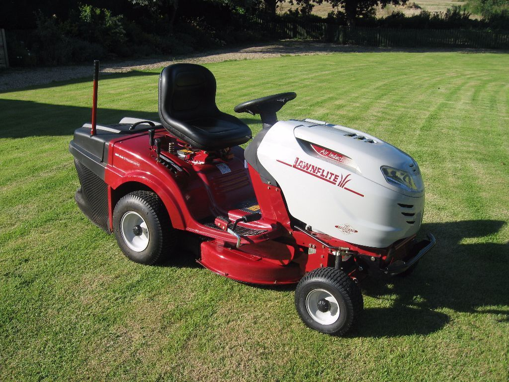 Used Garden Tractor - Lawnflite 604 GLH Ride On Lawn Tractor Mower